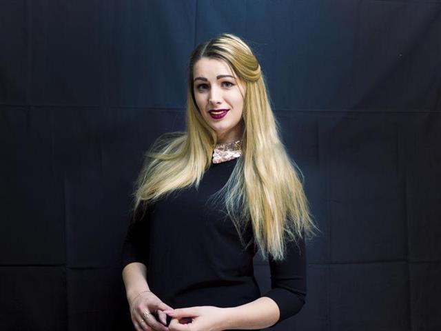 SexyManiela